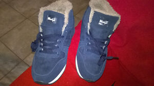 New sneakers on fur... unisex... new London Ontario image 3