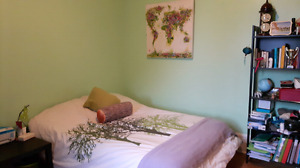 Summer sublet room in NDG - May to August