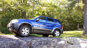 Ford Escape 2005 3350$ neg.
