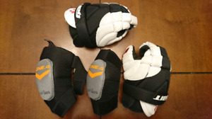 Lacrosse gloves and elbow pads  (youth aged 7-10)