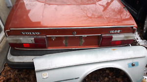1975 volvo i64 e 300$ as is