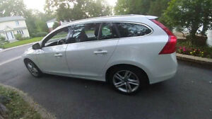2015 Volvo V60 T5 Premier Plus Sedan West Island Greater Montréal image 1