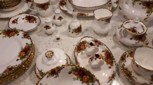 73 piece Old Country Roses Fine China Set