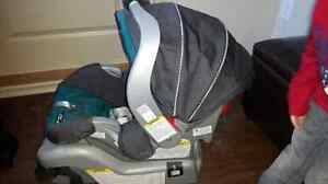 Graco snugride classic connect 30