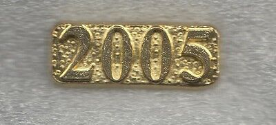 Senior Recognition Class of 2005 Year Letterman Jacket Pin gold tone