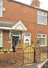 Newly refurbished 2 bedroom, mid terrace, new kitchen, bathroom, carpets & decorated throughout!
