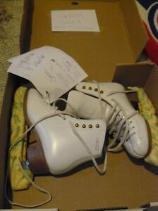 GAM Girls figure skates