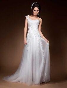 Stunning 'Brides Desire' 'Katie' Wedding Dress with Mimco Heels Glanville Port Adelaide Area Preview