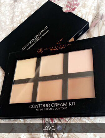 Anastasia cream contour kit in Light- medium