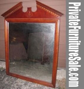 Nice Solid Wood frame Mirror, mahogany color, good condition