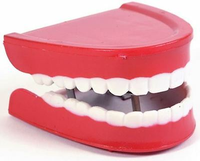 New Comedy Funny Wind Up Teeth Chatter Choppers Toy Jokes Pranks Novelty