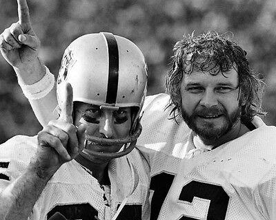 (1977 Oakland Raiders FRED BILETNKOFF & KEN STABLER Super Bowl XI 8x10 Photo)