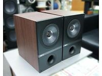 KEF Q100 Bookshelf Standmount Speakers / Walnut + Stands
