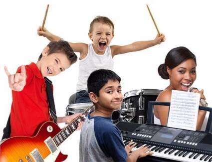 Guitar and Bass Lessons - AUSSIE ROCKSCHOOL Program