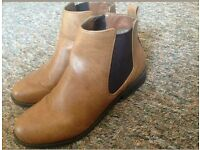Dorothy Perkins Chelsea boots size 5