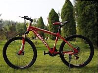 Red 2016 Giant Mountain bike NEW boxed 26inch Medium Size