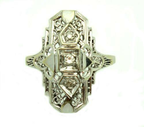 Art deco jewellery essay