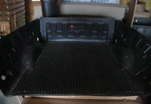 Used Pickup Truck Bed Liners – Plastic & Carpet Options!