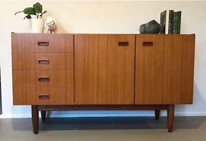 Mid Century Danish Retro Elite Sideboard Buffet Cabinet Credenza