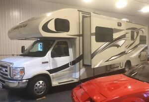 2015 Jayco Greyhawk 31FS One owner. Only 6965 km!!