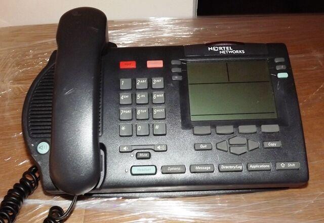 Lot of 5 Nortel Networks Telephones M3904 NTMN34BA70