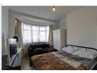 Large double room to rent short term