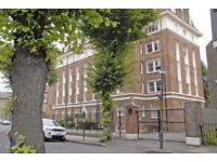 Spacious 3 bedroom flat in Greenwich (Ashburnham conservation area) with private parking from 13/08