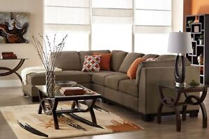 SECTIONAL W PULL OUT BED