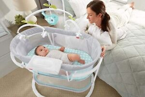 Amazing Fisher-Price Soothing motions bassinet