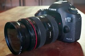 CANON EOS 5D mark ii DSLR Camera Body with EF 24-105mm Lens