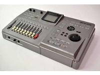 ZOOM MRS-802 MULTI 8 TRACK DIGITAL RECORDING STUDIO – Spares or Repairs!