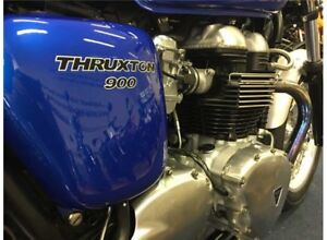 Triumph Thruxton 900 Side Covers in Blue