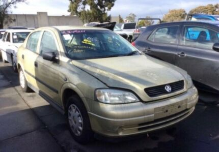 Holden Astra ts 2005 wrecking parts