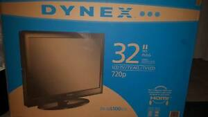 "█ 32"" DYNEX LCD TV, CHEAP!│REMOTE, BOX, MANUALS, STAND█"