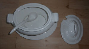 Ceramic soup serving dish with laddle (made in Portugal) Kitchener / Waterloo Kitchener Area image 1