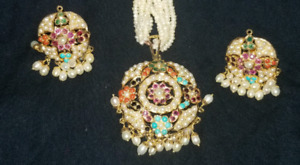 PEARL 22K GOLD NECKLACE WITH EARINGS.WEIGHT 26 GRAMS
