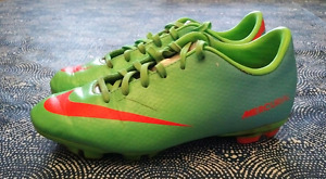 Soccer cleats  nike green size 2