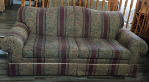 COMFORTABLE SOFA/COUCH