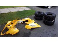 Yamaha Raptor plastics & 4 new tyres