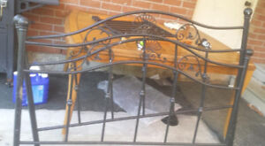 wrought iron canopy bed set