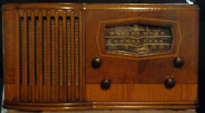 Canadian Phonola Radio Model 852-P