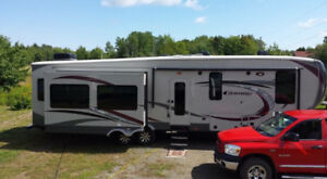 2013 Columbus Camper -Fifth Wheel