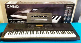 Casio WK7600 for sale ex cond with many accessories