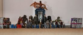 Dr Who Figures featuring 10th Doctor & Trading Cards
