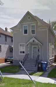 Bright and Clean! 3bdrm pet friendly house for rent on Cathedral