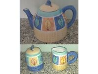 Colourful teapot set comprising teapot, jug and sugar pot/honey pot FROM A NON SMOKING HOME