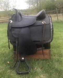 Barefoot Nevada treeless saddle