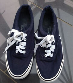 Navy vans style canvas trainers (size8) NEW