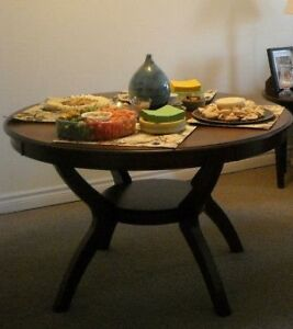 Beautiful Solid Wood 3' Round Table Set