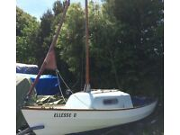 DRASCOMBE CRUISER WITH 1 BIRTH CABIN. 21.9FT